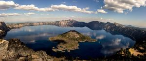 Crater_Lake_from_Watchman_Lookout