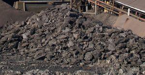800px-Lignite-coal